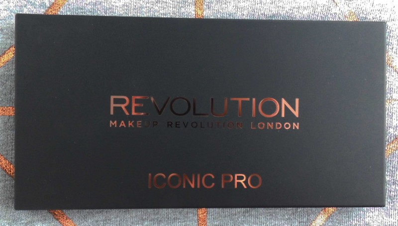 Review-Makeup-Revolution-Iconic-Pro-1-Palette-budget-swatches-1