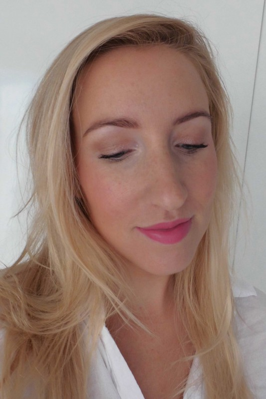 Review-swatch-Catrice-Limited-Edition-Deluxe-matt-blush-lipstick-floral-coral-en-deluxe-eyeshadow-trio-7