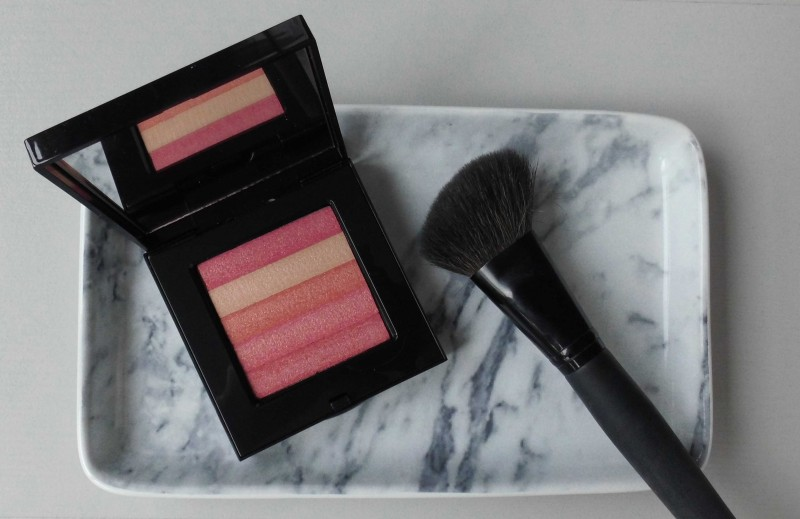 Review-Bobbi-Brown-Shimmer-Brick-in-Nectar-swatch-test-glow-highlighter-5
