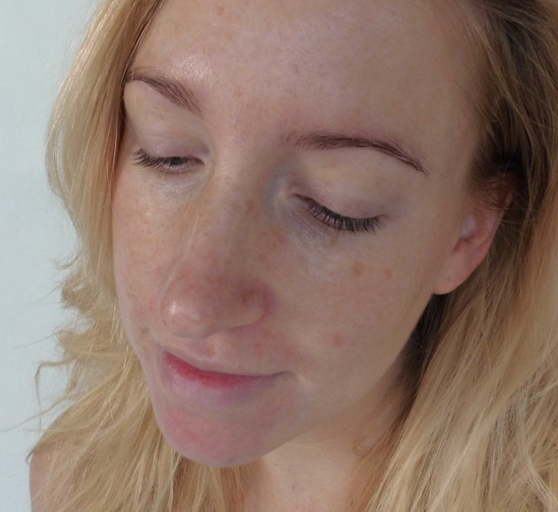 Review-Too-Faced-Born-This-Way-foundation-natural-beige-14