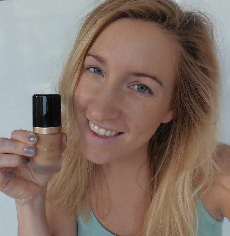 Review-Too-Faced-Born-This-Way-foundation-natural-beige-15
