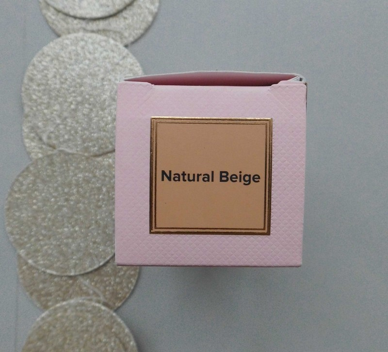 Review-Too-Faced-Born-This-Way-foundation-natural-beige-6