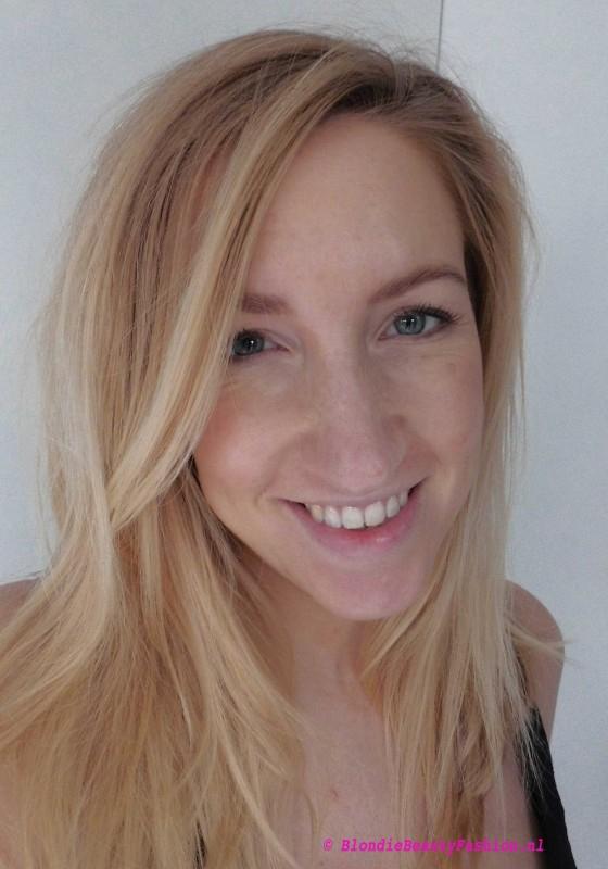 Review-Dior-Addict-Lipstick-in-553-smile-swatch-look-blondiebeautyfashion-7