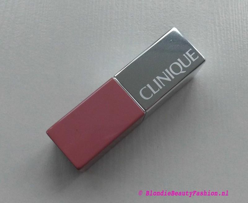 Review-Clinique-Pop-Lipstick-in-01-Nude-Pop-3