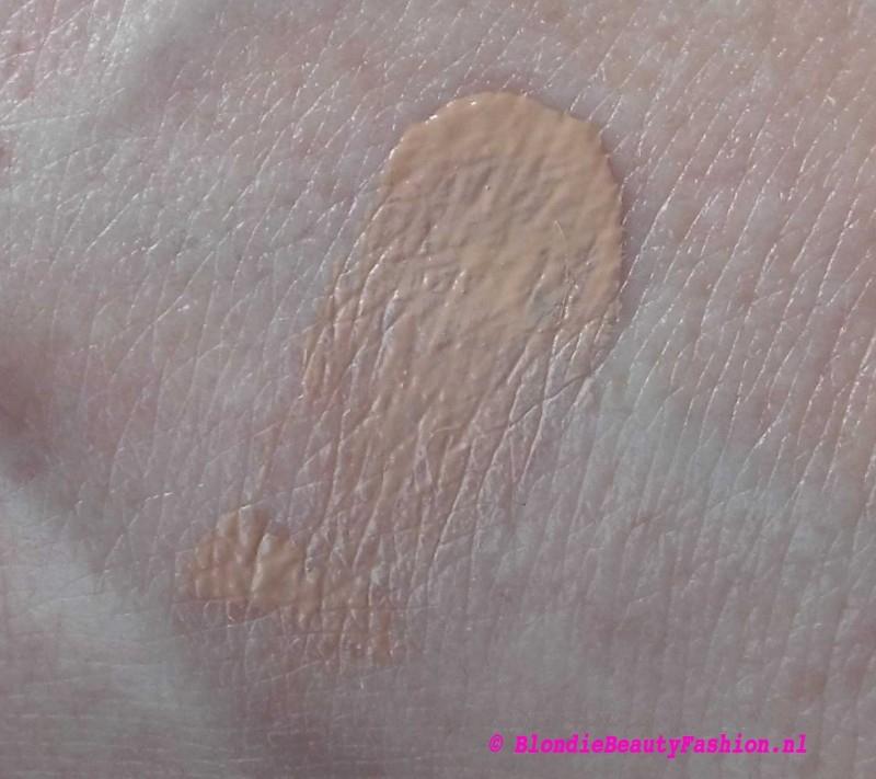 Review-L'Oréal-Nude-Magique-Cushion-Dewy-Glow-Foundation-look-10
