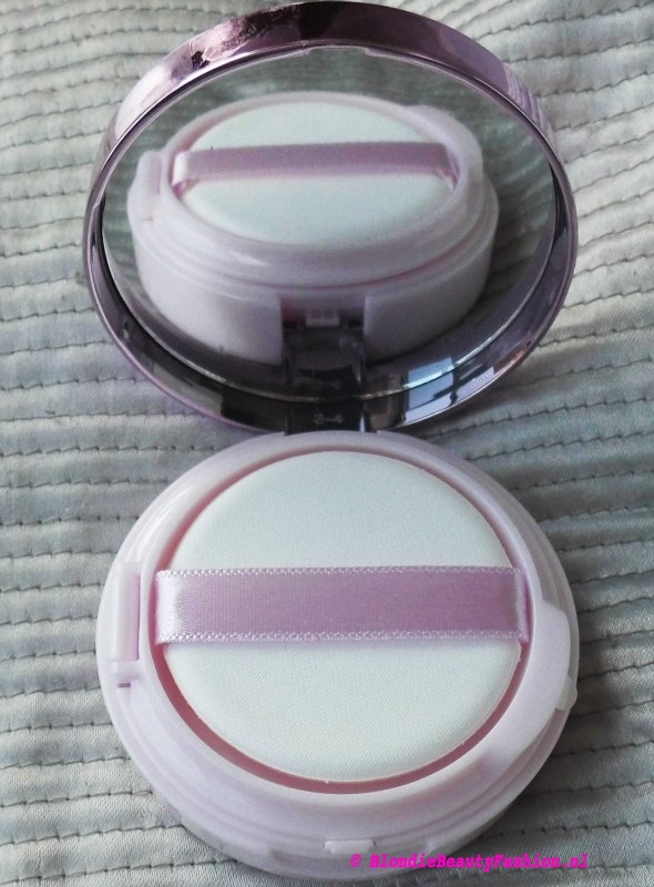 Review-L'Oréal-Nude-Magique-Cushion-Dewy-Glow-Foundation-look-2