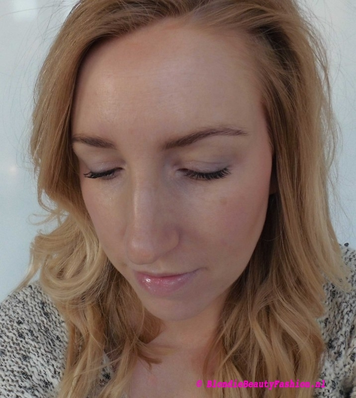 Review-L'Oréal-Nude-Magique-Cushion-Dewy-Glow-Foundation-look-8