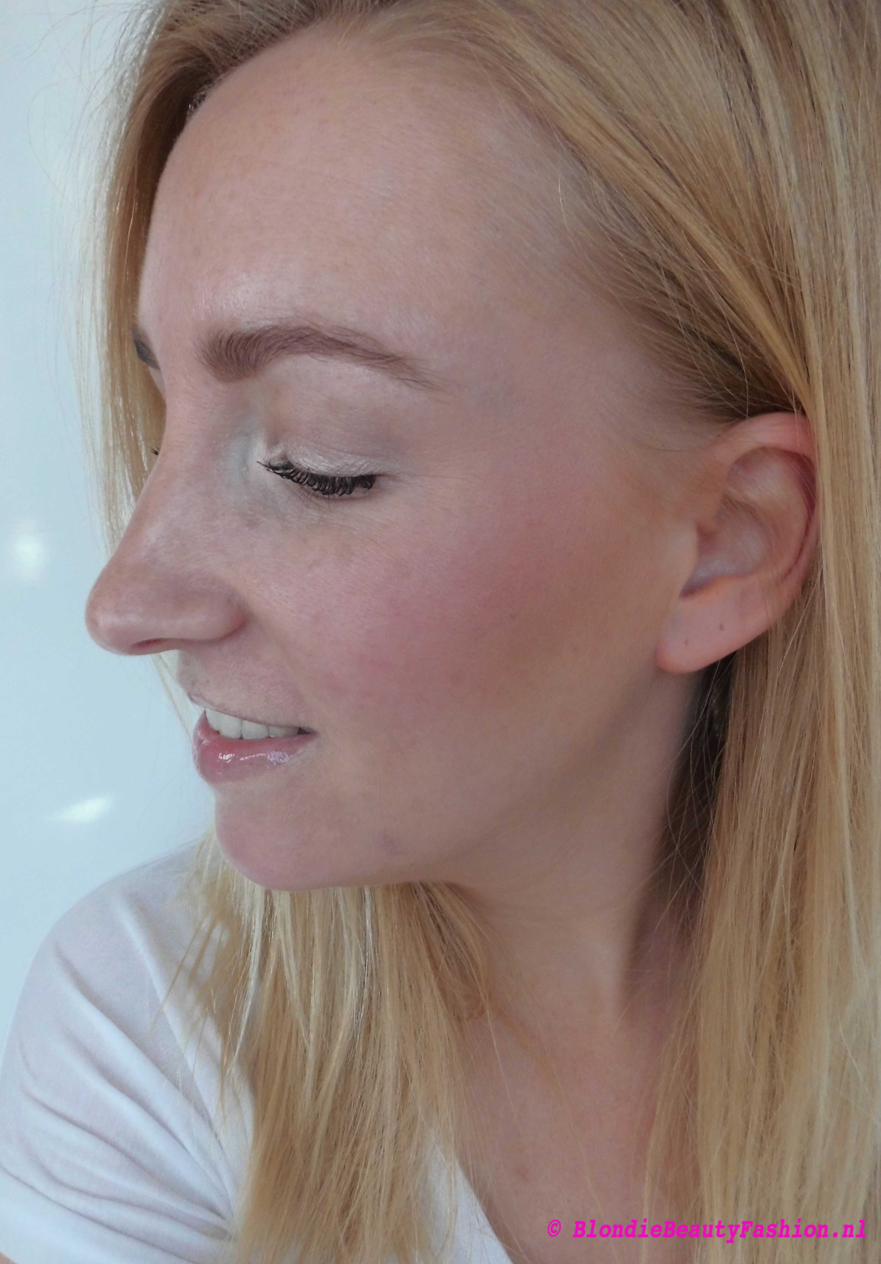 Review-BE-Creative-makeup-baked-blush--in-001-romance-ici-paris-xl-7