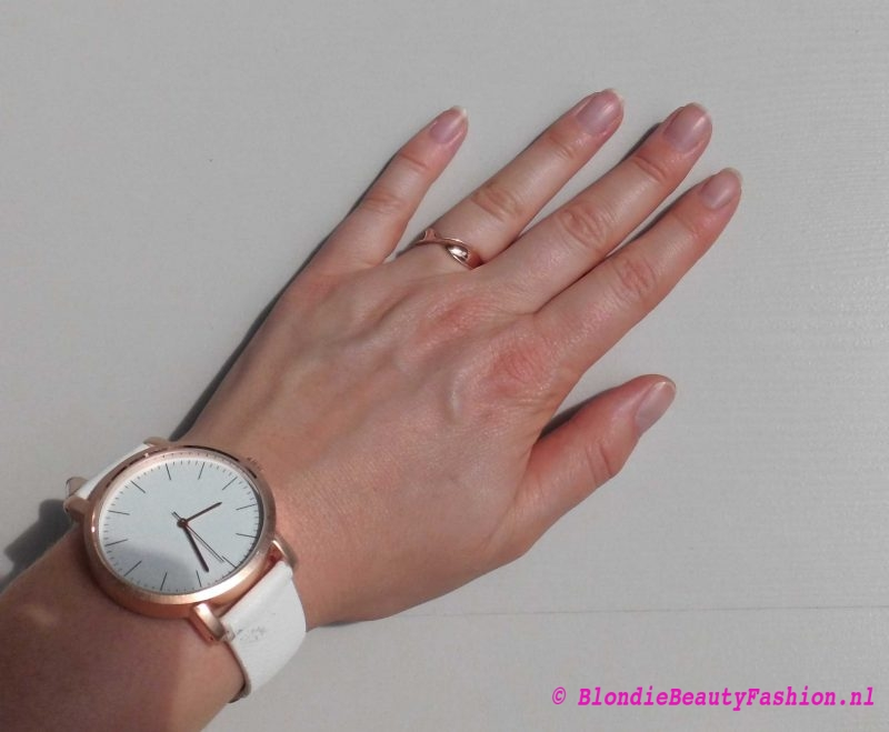 nagellak-nagels-chanel-le-vernis-504-organidi-nude-review-4