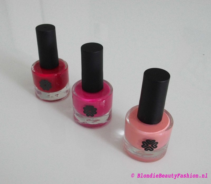 review-Lily-Lolo-nagellak-Carnival-miss-scarlet-soft-coral-test-swatch-2