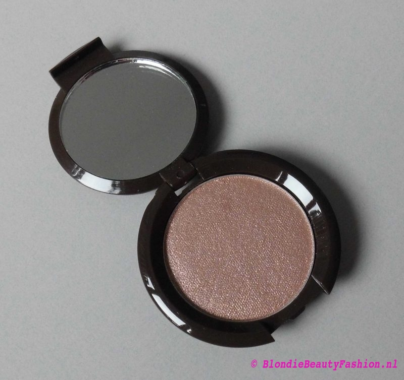 Review-Becca-shimmering-skin-perfector-in-opal-3